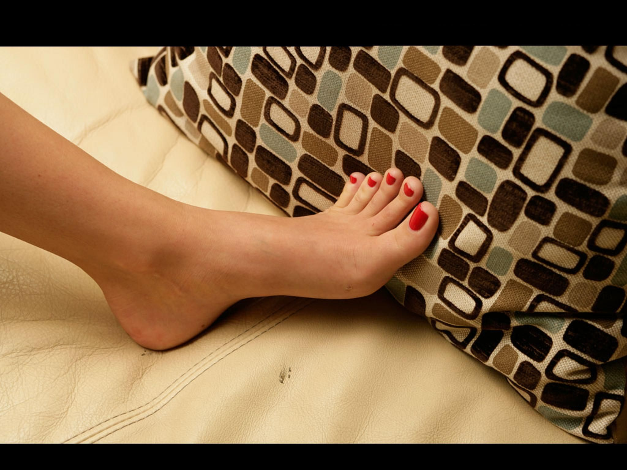 black feet Tori