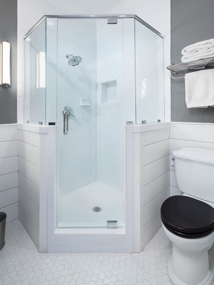 1400 Sutherland Pl Willow Homes 0019 Jpg Corner Shower Corner Shower Kits Shower Stall