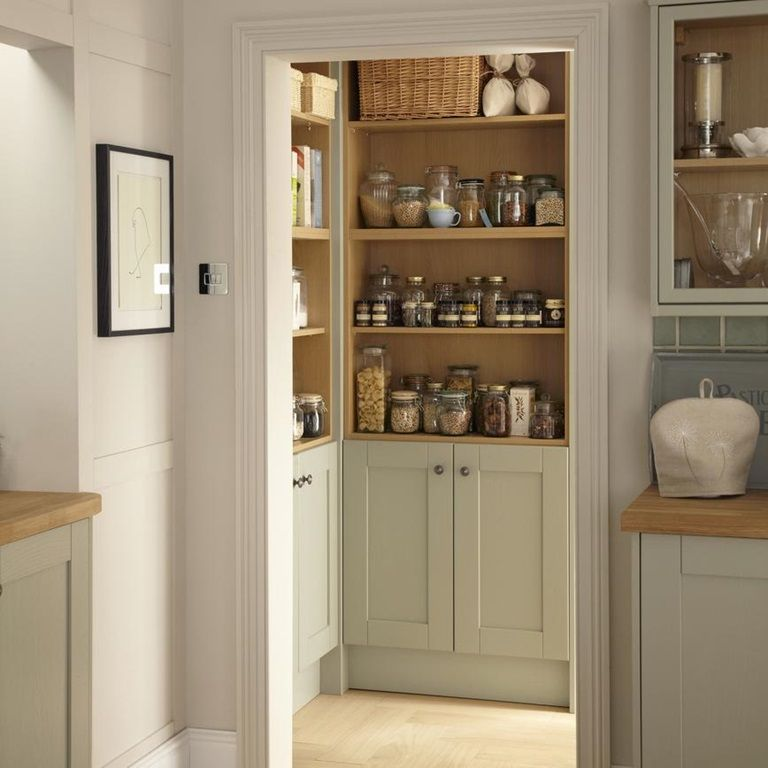 Make A Kitchen Warm And Welcoming With This Solid Timber Shaker Style Cabinet Door In A Interior Design Kitchen Farmhouse Kitchen Design Shaker Style Kitchens