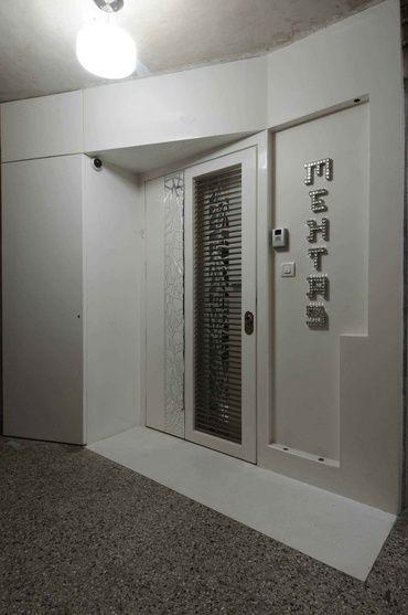 White Entrance Door Design By Sonali Shah Architect In Mumbai Maharashtra Entrance Door Design Main Door Entrance Decor