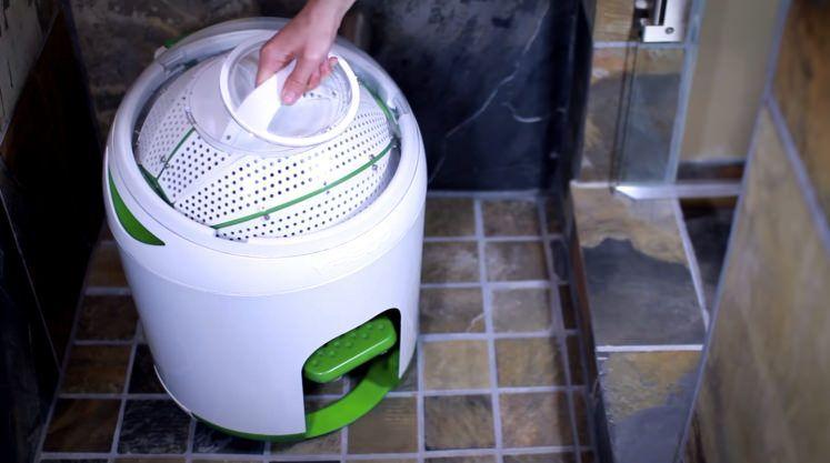 This Tiny Washing Machine Needs No Electricity Portable Washing Machine Power Wash Machine Washing Machine
