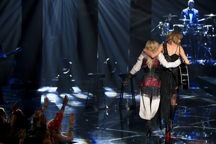 Madonna canta Ghosttown com Taylor Swift no iHeart Awards | Madonna Online