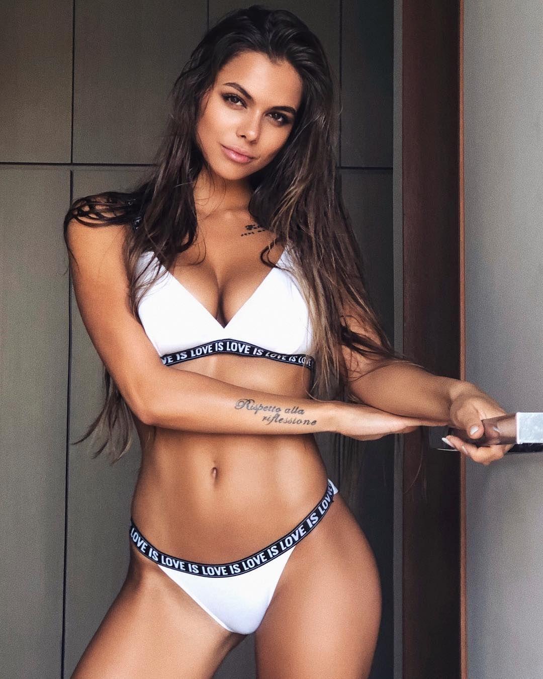 Bikini Victoria Sophia naked (32 photo), Tits, Hot, Feet, cameltoe 2020