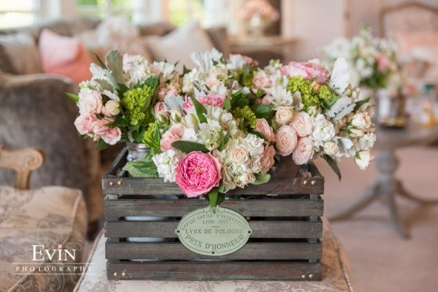 I love this wooden flower box filled with fresh flowers in the brides prep room at Mint Springs Farm! | evinphotography.com #woodenflowerboxes