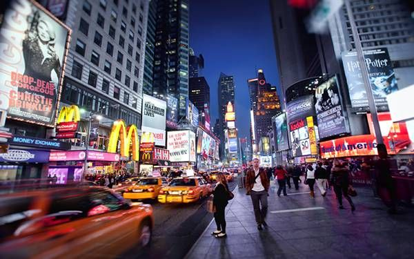 無料壁紙 ニューヨークの写真画像まとめ 自由の女神 ビル街 夜景 タイムズスクエア 写真 壁紙
