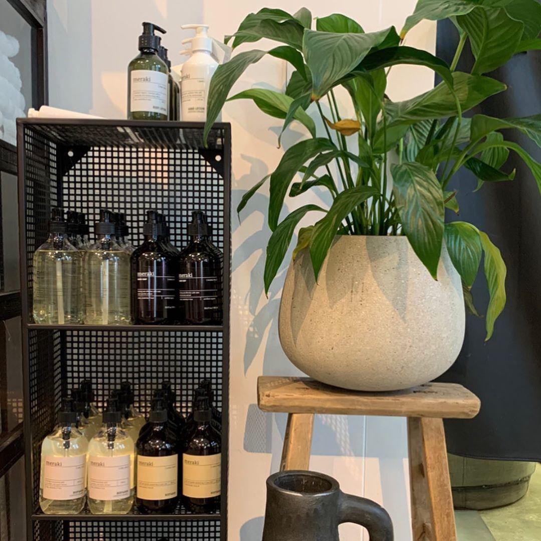 Neuheiten von Meraki - Neuheiten von Meraki🌿🧖🏽♀️🛁 #handseife #spaday #blogger #lovefashion #spa #style #womensfashion #minimalism #bathroomdesign #fashionblogger #fashionblog #fashionlover #lookoftheday #danishdesign #look #instafashionista #bathroominspiration #norrdesignoutlet #fancy #brostecph #model #shop #meraki #kitcheninspiration #berlin #inspiration #skandinavischemode #muster #verkauf #meraki     Informationen zu Neuheiten von Meraki                               Pin     Sie können