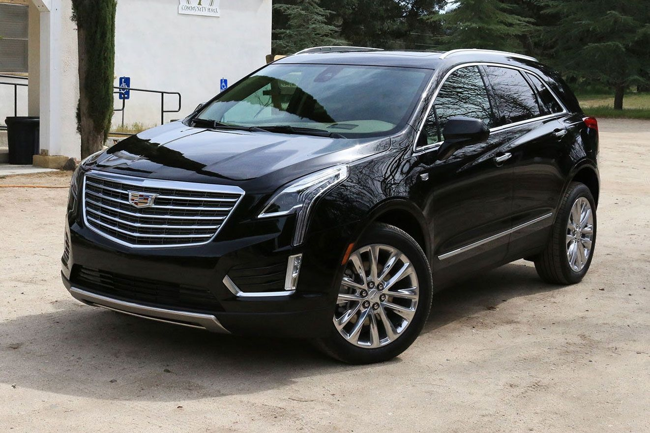 the 2017 xt5 is a crossover back to luxury for cadillac. Black Bedroom Furniture Sets. Home Design Ideas