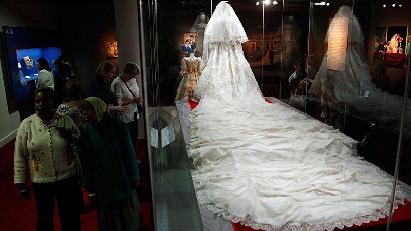 princess diana wedding gown sneak peek of princess diana