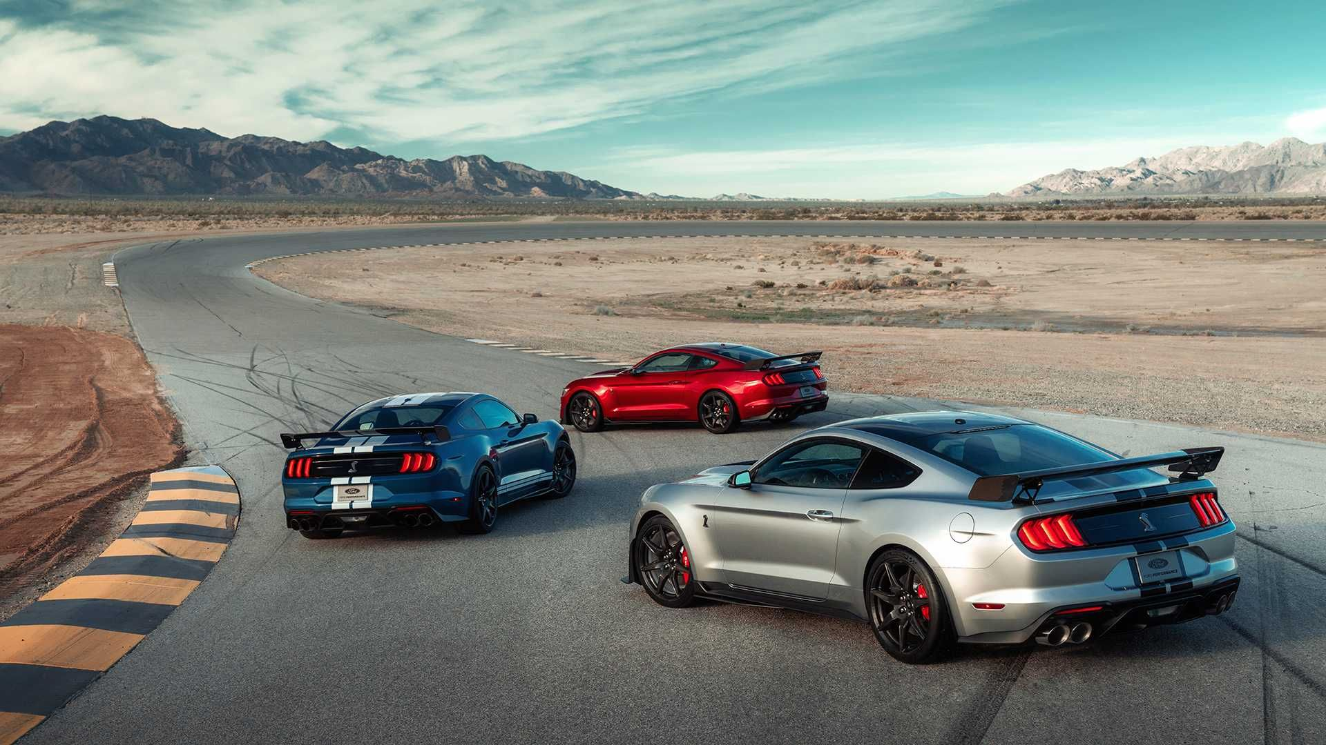Unveiled at the 2019 Detroit Auto Show, the new, 2020 Ford ...
