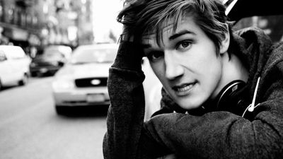 bo burnham from god's perspective перевод