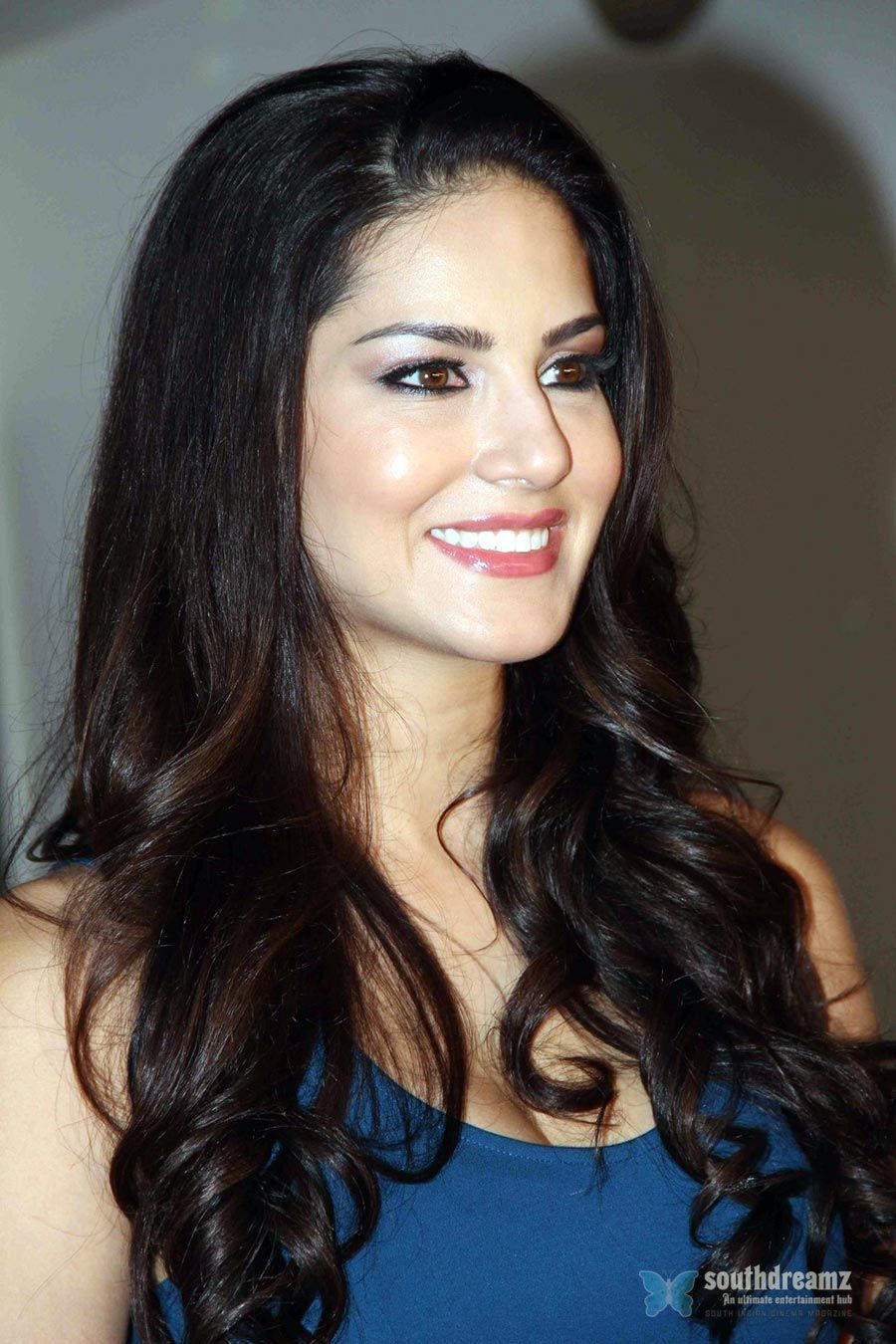 Sunny Leone HD PC Wallpapers and Photos In HQ Definition