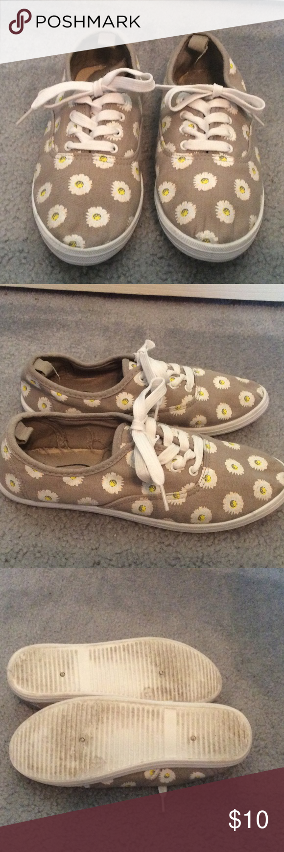 canvas shoes canvas tennis shoes from rue 21 size m
