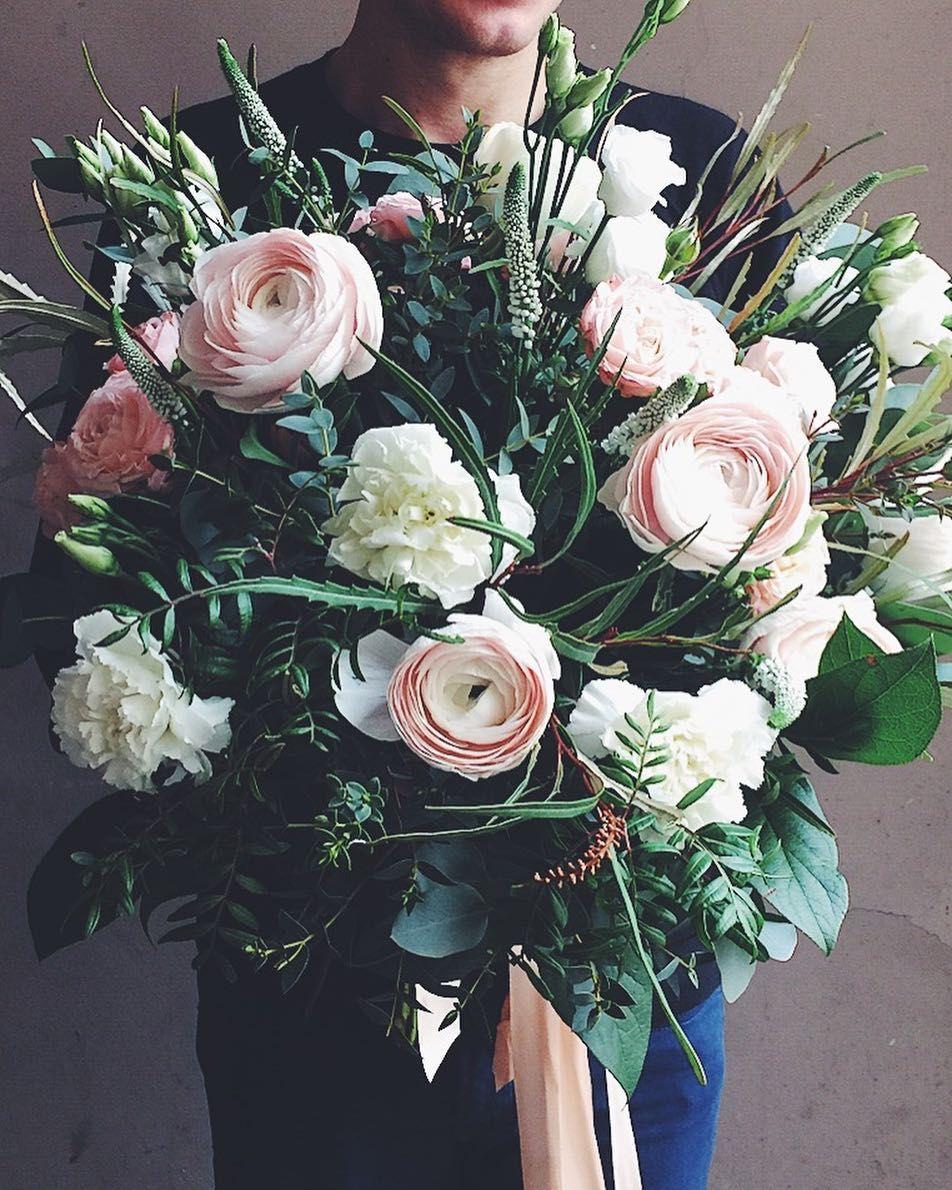 Polubienia 2 415 Komentarze 21 Kwiaciarnia Kwiaty Amp Miut Kwiatyimiut Na Instagramie Kwiatysapiekne Kwiaty Memorial Flowers Pretty Flowers Flowers