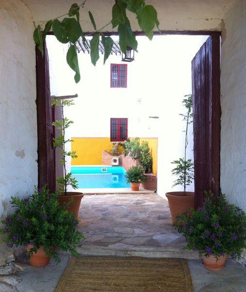 Cortijo andaluz la molina de las monjas entrada patio for Entrada piscina