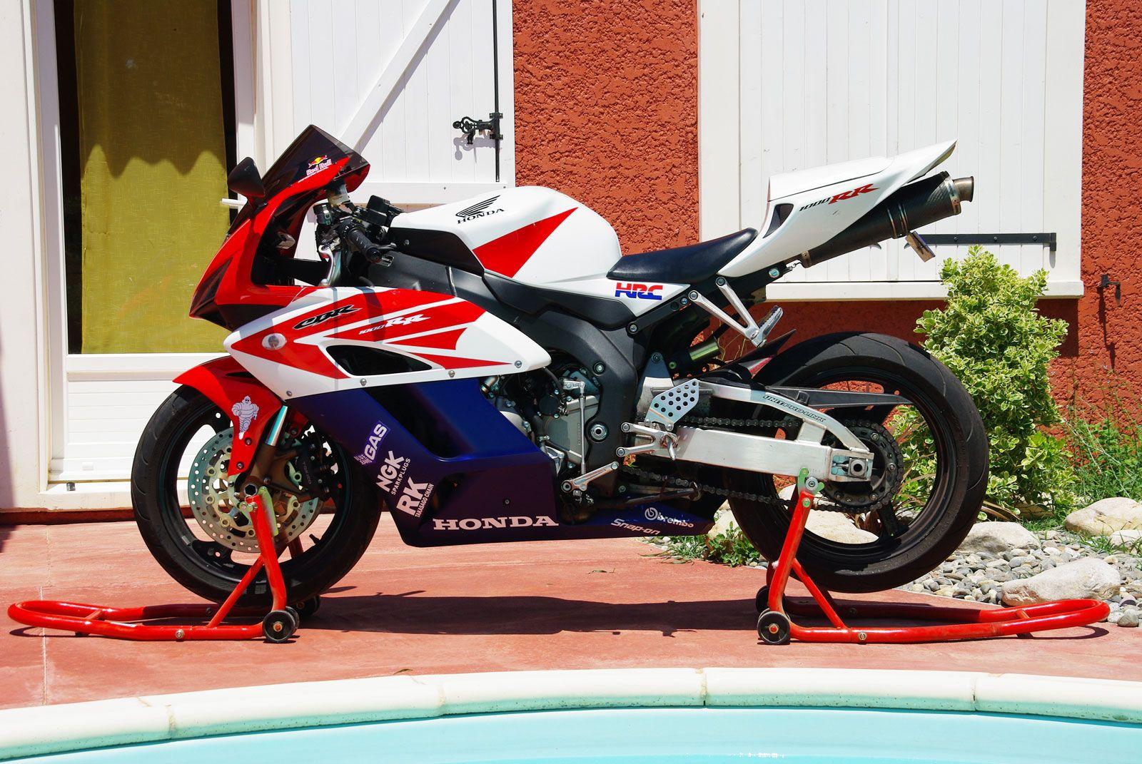 Honda Cbr 1000 Rr 2004 Pics 24179 Honda Honda Cbr Cbr