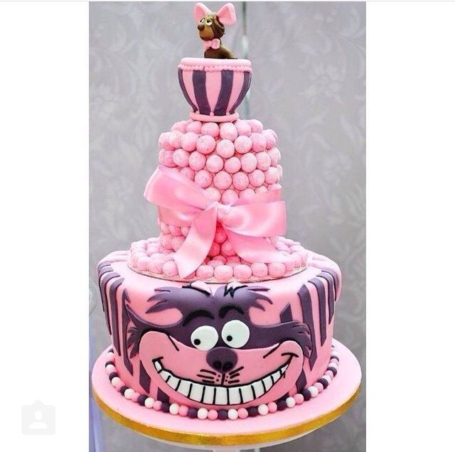Cheshire Cat Cake  | Disney Cakes | Disney Cake Ideas | Disney Cakes and Sweets | Disney Cakes and Cupcakes |