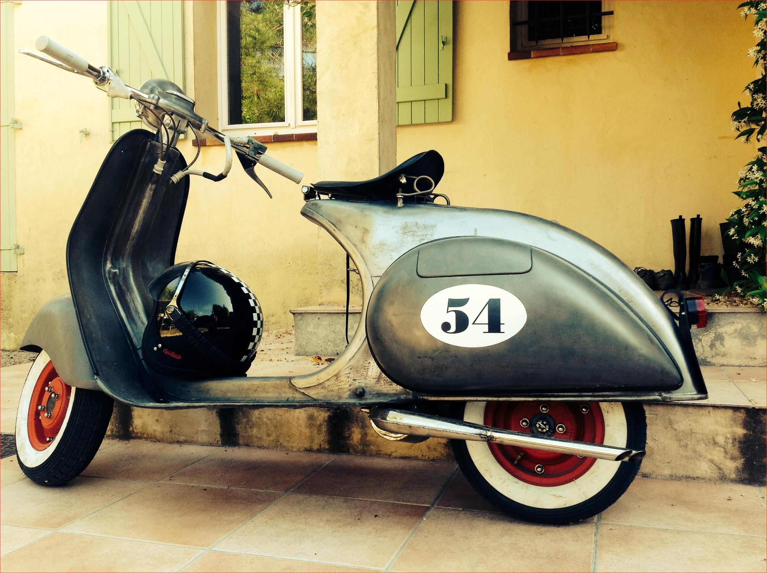 Elegant Vespa Scooters Vintage Retro With 14 Photos We Otomotive Info Vespa Scooters Vespa Retro Vespa Vintage