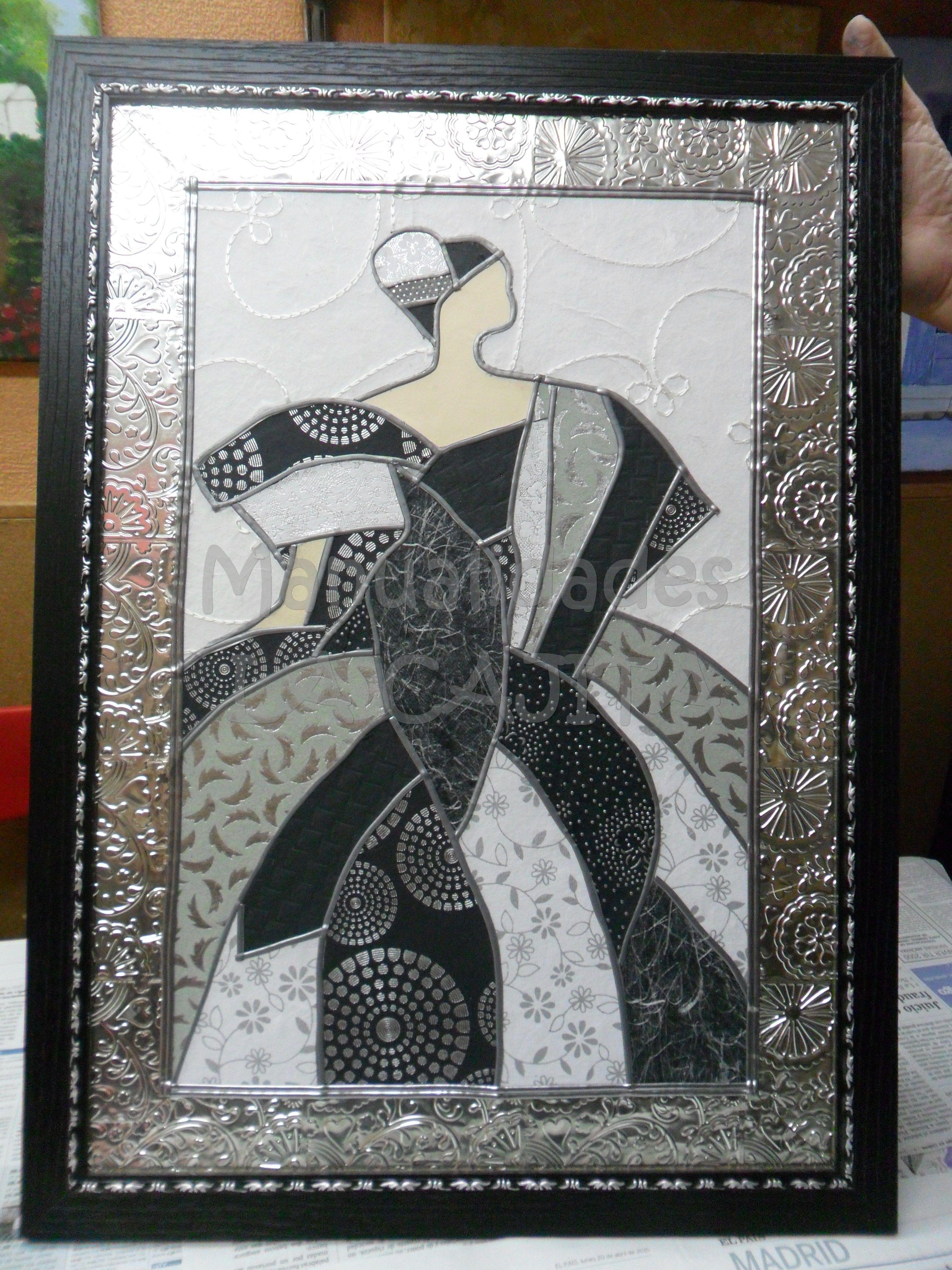 Cuadro enmarcado de dama. Hecho con papeles del mundo de textura y ...