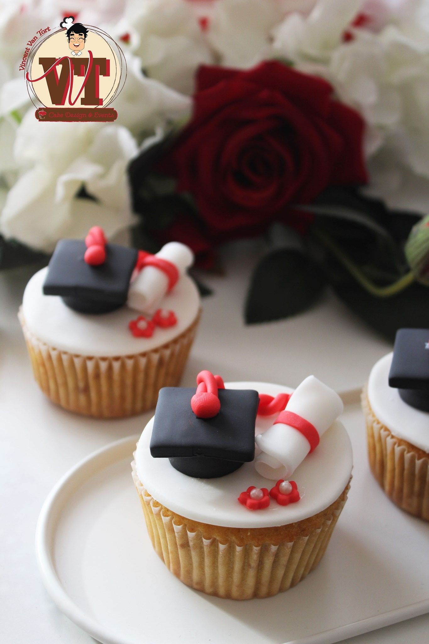 Photo of • Cupcakes Graduation • . . #amazing #sweet #cake #socute #cakestagram