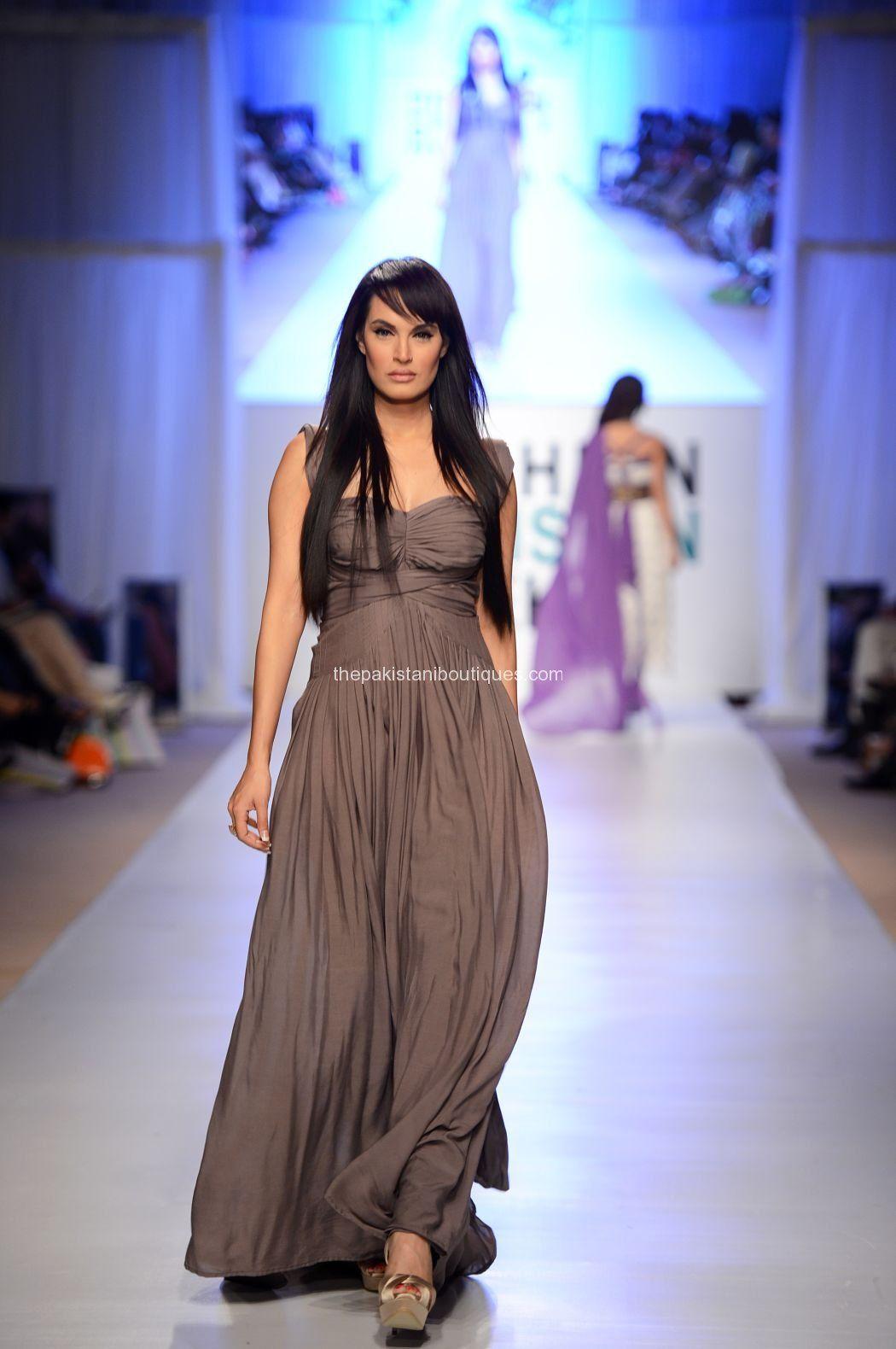 Hassan Ayesha fashion week dres foto