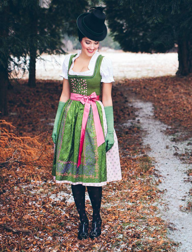 Dirndl Strohhof Bluse Gerti Sportalm Herbst/Winter 16/17 @trachtenbibel folgen…