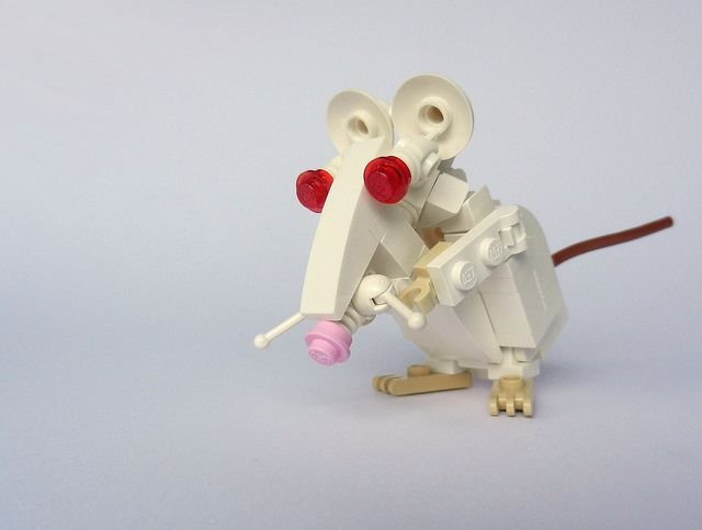 LEGO Mouse by Rogue Bantha, #lego via Flickr
