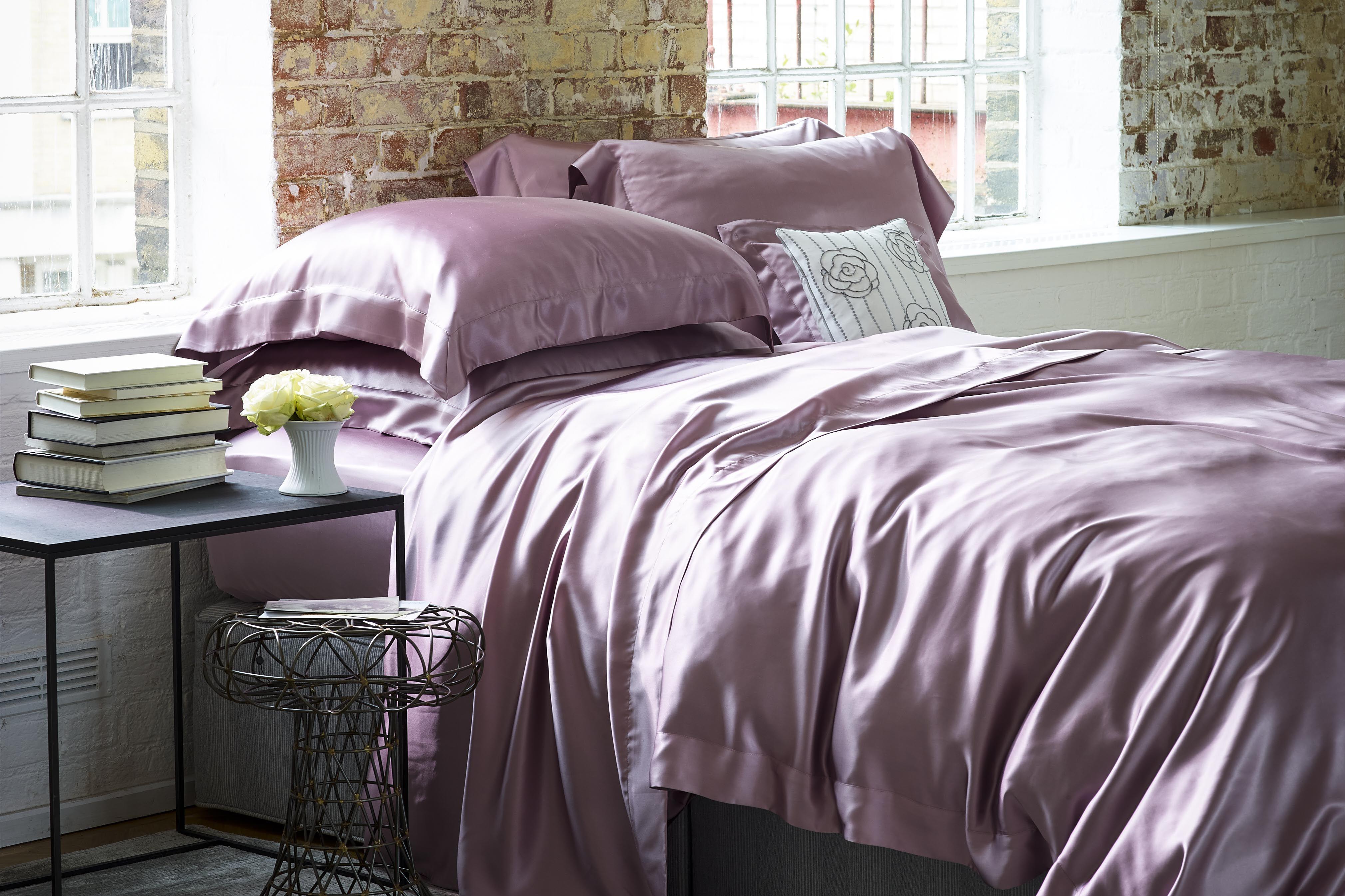 Gingerlilly pink silk bedding Luxury bedspreads, Bed