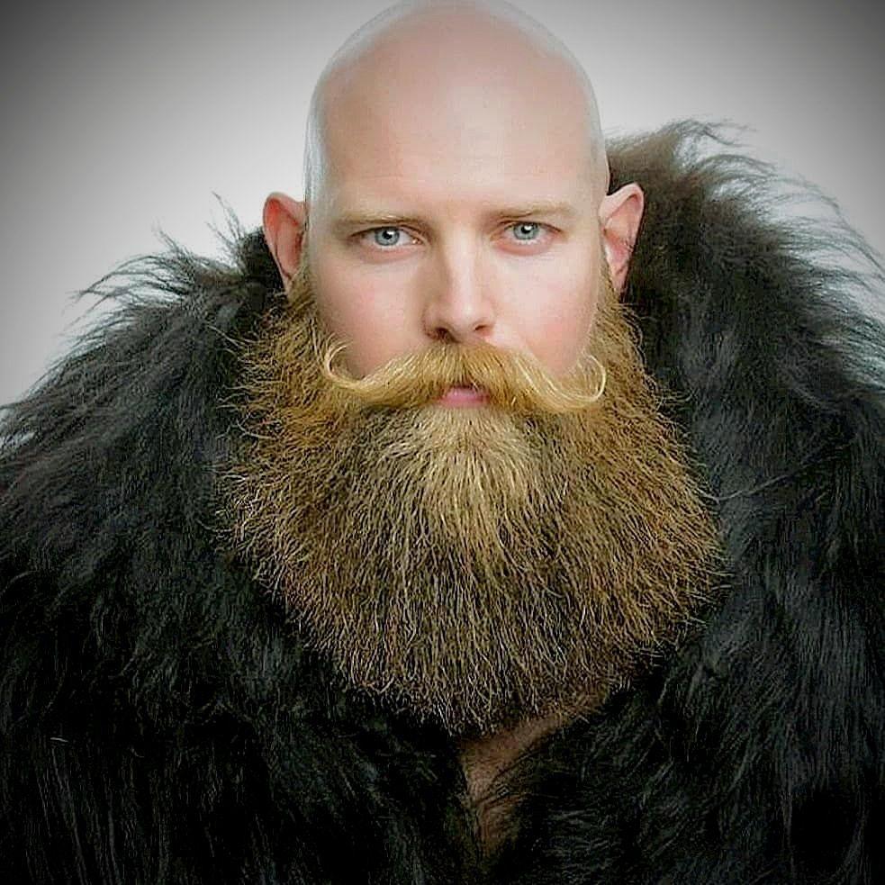 загрузила картинки больших и бородатых мужчин какого-либо интереса воинскому
