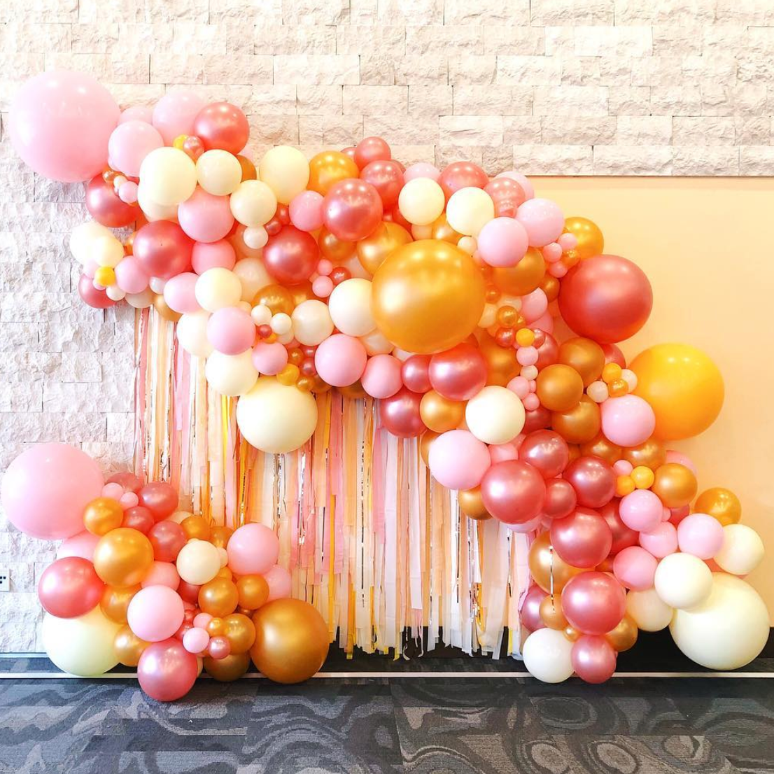 Organic balloon installation with major fringe for CMT's
