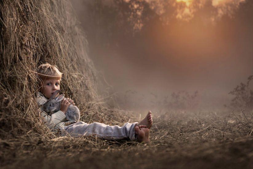 Russische, Fotografin, Magische, Porträts, Kindern, Tieren, Barfuß, Heu