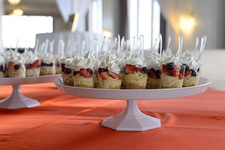 Mixed berry cheesecake parfaits