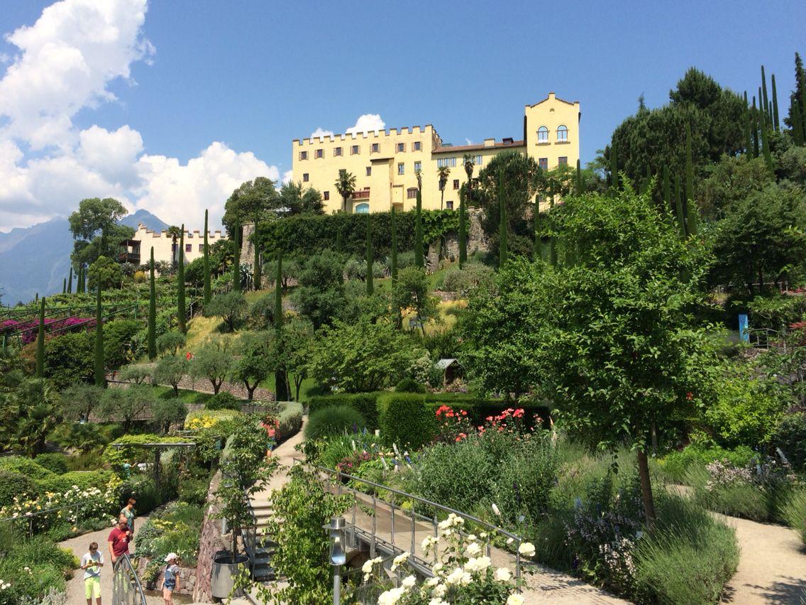 Südtirol, Die Gärten von Schloss Trauttmansdorff, Meran  The gardens of Castle Trauttmansdorff, Meran