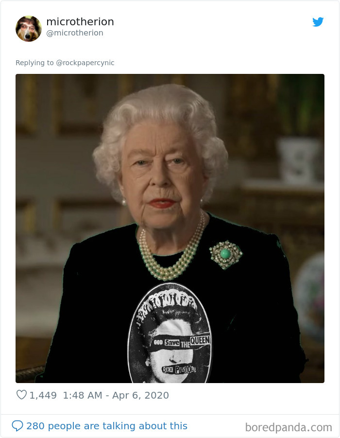 The Queen Of England Gives A Speech In A Green Dress And The Photoshoppers Know What To Do 35 Pics Queen Of England Queen Green Screen Green Dress
