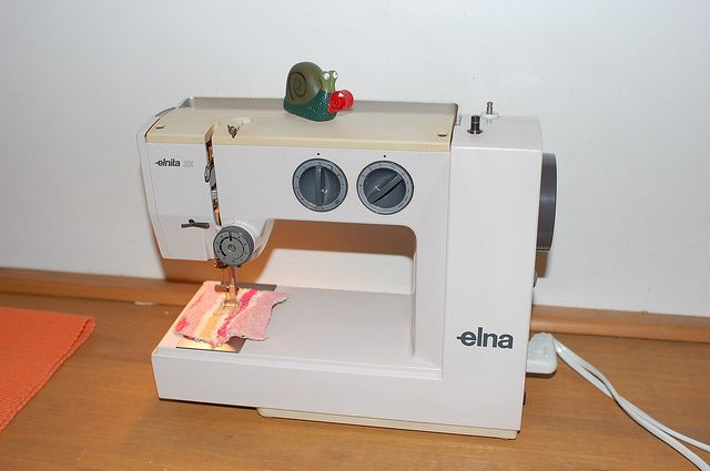 ELNA Elnita 40 Sewing Machine Check Out This Cool Sewing Machine Cool Elnita 200 Sewing Machine Review