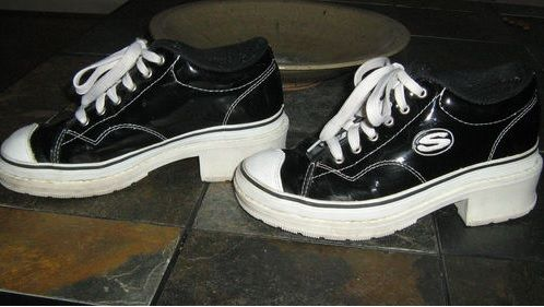 fcdc74fa62a skechers 90s - i had these in like a shiny iridescent color when i was in  6th grade