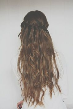 Water fall braid with loose wavy curls. One day never, my hair will be able to look like this. =/ # water fall Braids tutorial