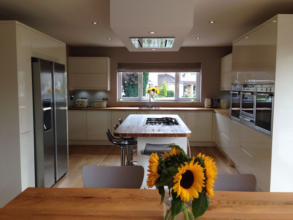 My New Kitchen Dining Room Lucente Cream Gloss Units Luxair Ceiling Hood Extractor Samsung