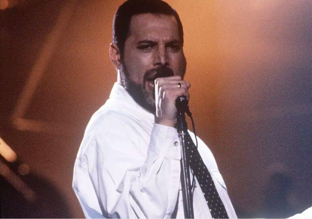 Freddie Mercury From Music Video I Want It All Queen Freddie Mercury Freddie Mercury Freddie Mercury Death