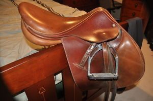 """Luc Childeric 17"""" saddle St. Catharines Pet Classifieds"""