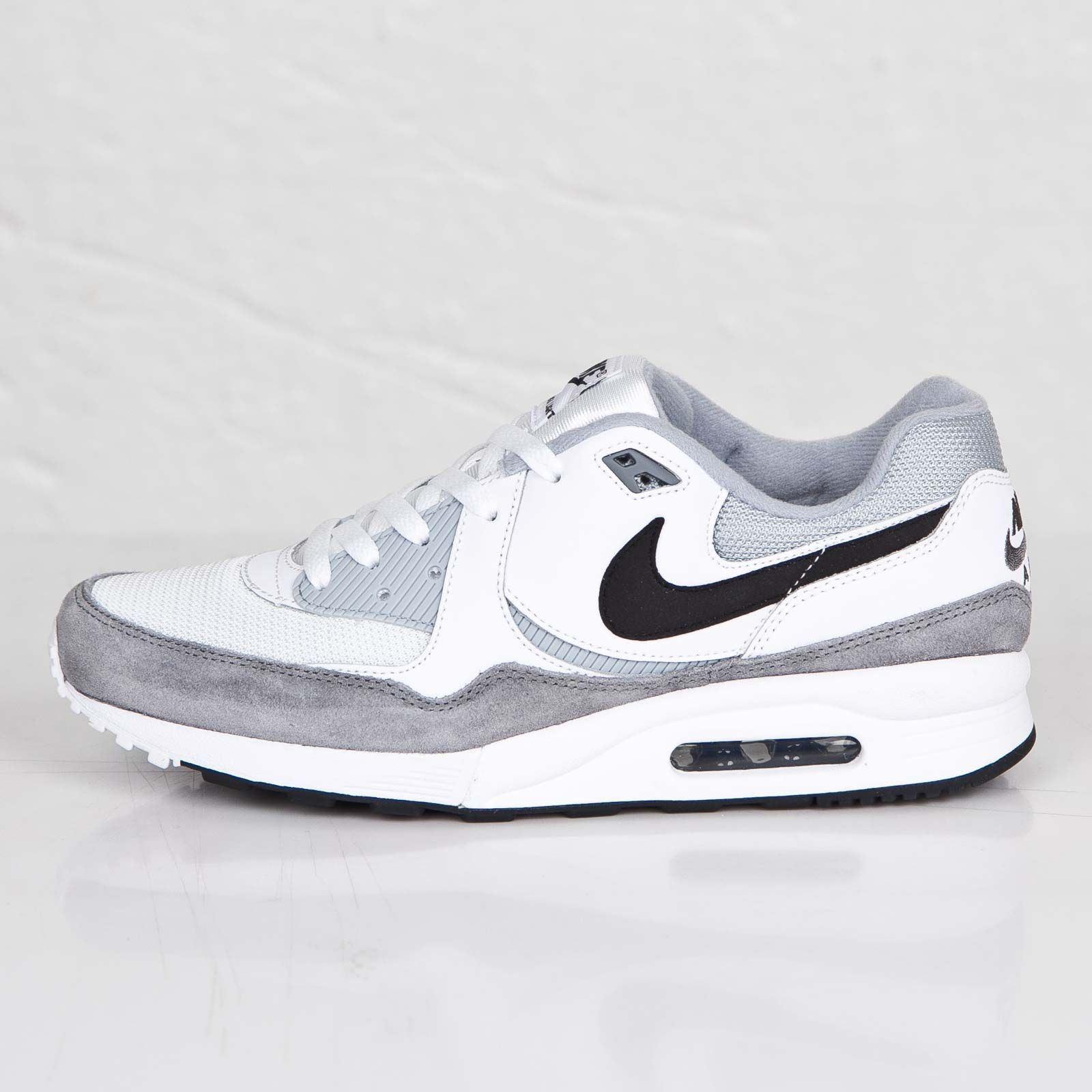 competitive price 3118a 91b9d Nike - Air Max Light Essential - 631722-110 - Sneakersnstuff, sneakers   streetwear  online since 1999