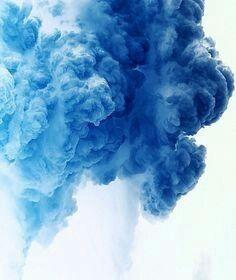 wundervoller blauer rauch blau blue