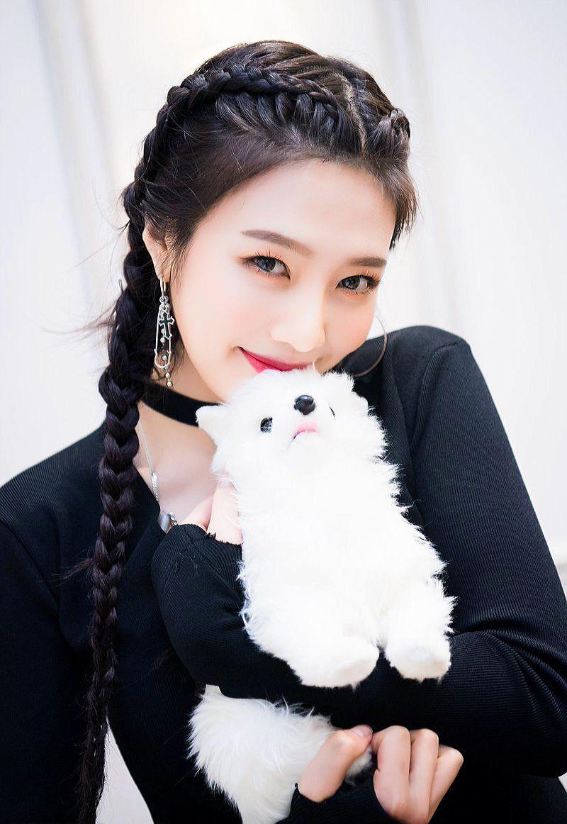"""15 Fakta Joy Red Velvet, Member dengan Julukan """"The Queen of Selca"""""""