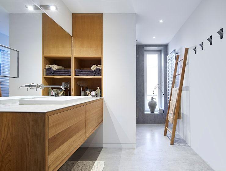 Umbau Einer Wohnung In Freiburg Unter Perfekter Raumausnutzung Badezimmer Innenausstattung Wohnung Modernes Badezimmerdesign