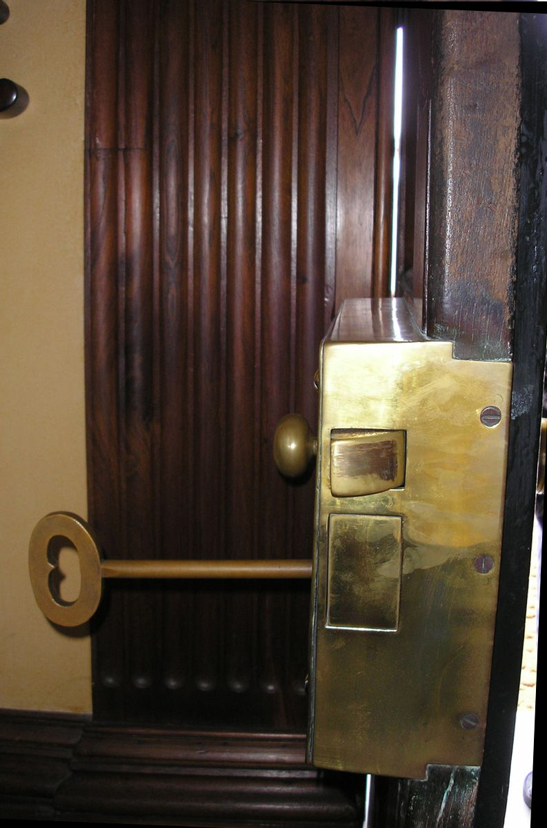 Elizabeth Bay House Front Door Lock Sydney Aus House