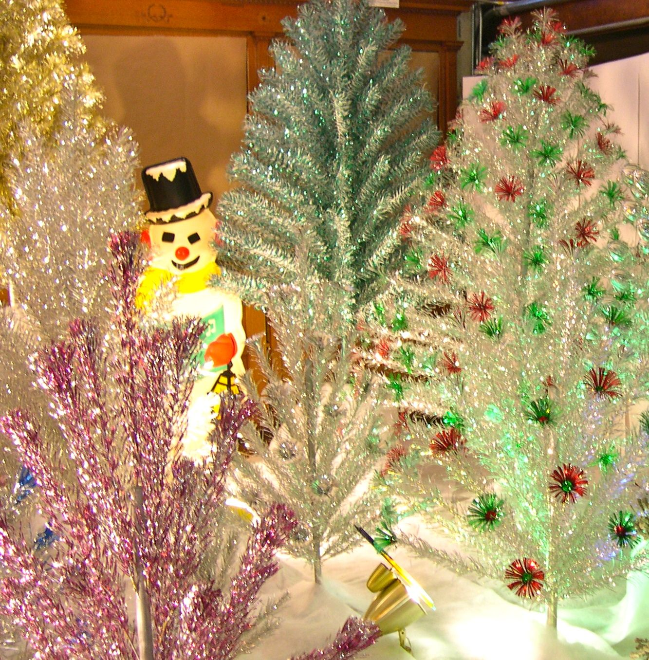 Silver Tinsel Christmas Tree With Color Wheel: Aluminum Christmas Tree Forest