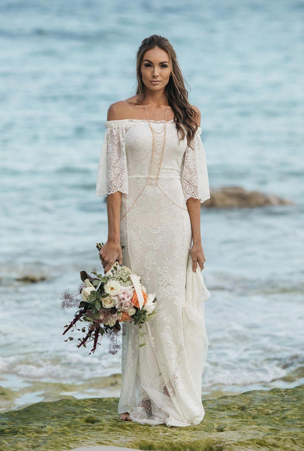 Best beach wedding dresses  Boho Beach Wedding Outfit  tips on choosing beach wedding dresses