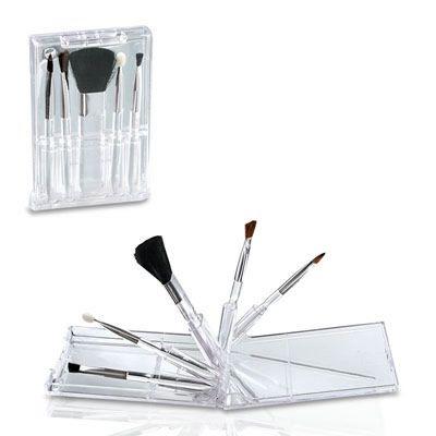 SET DE MAQUILLAJE REF:CP-12   5 Brochas para Maquillaje.  En Estuche Plástico Transparente Tipo de Producto: IMPORTADO. Medidas: 11 cm ancho x 7 cm alto. Área de Marca: 5.5 cm ancho. Técnica de Marca: Tampografía. Colores Disponibles: Blanco Transparente.