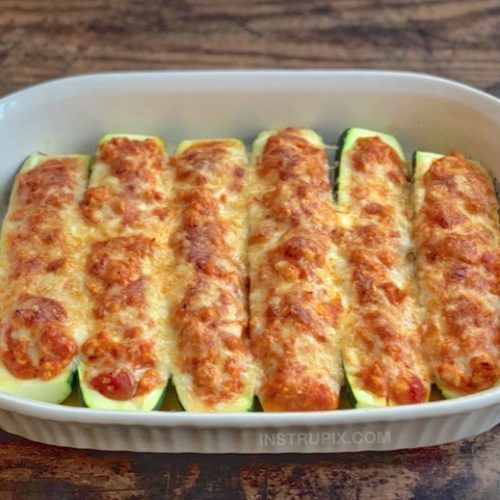 Low Carb Chicken Parmesan Stuffed Zucchini Boats #chickenparmesan