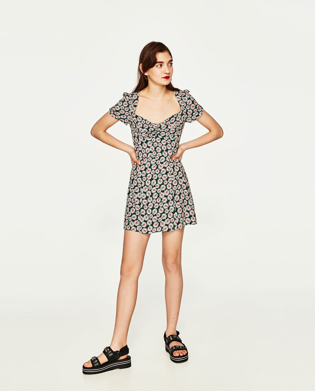 Daisies Dress With Sweetheart Neckline Dresses Woman Zara United States Dresses Women Sweetheart Neckline Dress [ 1269 x 1024 Pixel ]