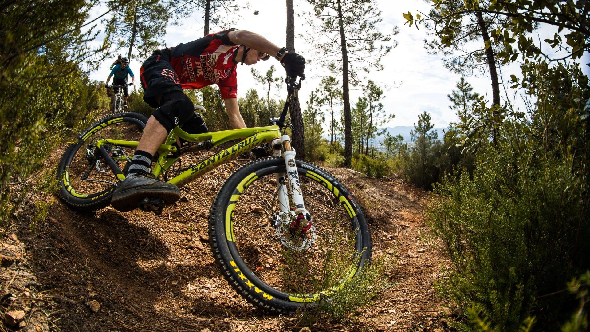 Santa Cruz Bronson | Mountainbike | Pinterest